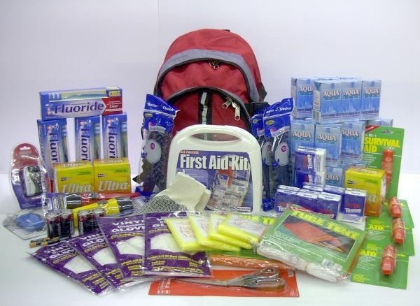 Emergency Kits for family, car and office. Our kits include light sources,