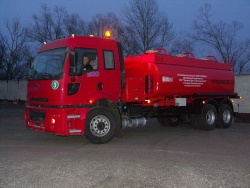 tank trucks, trailers, semitrailers, vacuum cleaners and aircraft refuellers - tank trucks, trailer