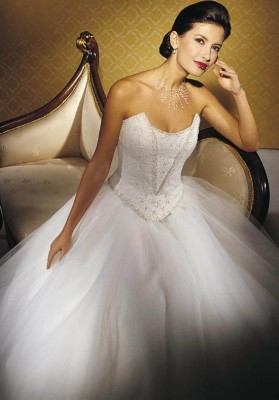 beautiful white wedding dress stunning and luxurious