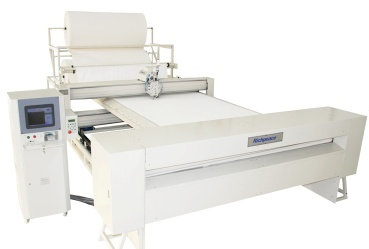 Computerized automatic single head quilting machine