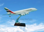 Resin plane model (A380-EMIRATES)