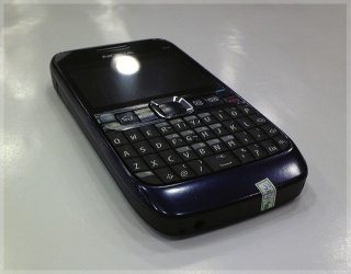 Offer nokia E63 original sim free brand new phones - nokia E63 original