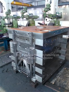 Plastic injection moulds - Moulds