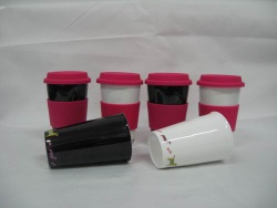16oz porcelain single wall mug with pink silicon lid and sleeve